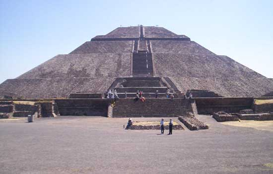 Frontal view of the Pyramid of the Sun